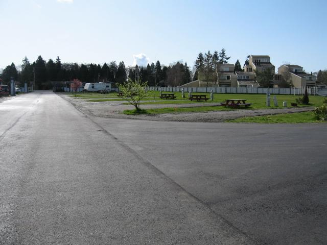 Lighthouse by the Bay RV Park - Blaine WA 98230 : 360-371-5603