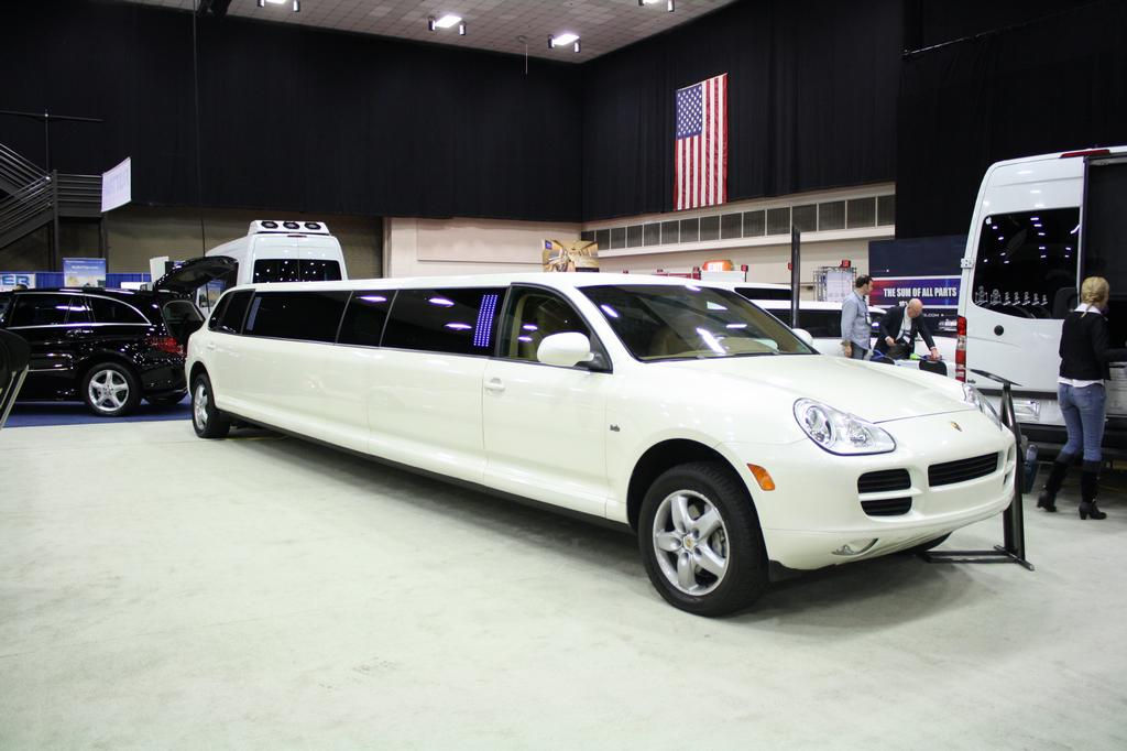 cheap limo service nj how to choose limousine service in new jersey. Black Bedroom Furniture Sets. Home Design Ideas