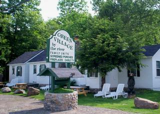 Green Village Cabins - Lincoln, NH