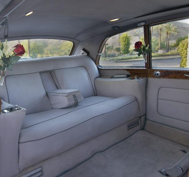 Pictures For Windsor Coach In Phoenix, AZ 85050