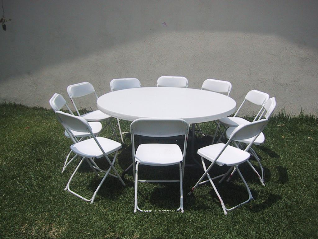 ROUND TABLE W/8 CHAIRS-$22.00 From Ez-2 Jump Party Supply