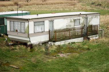 Ist2 464761 Dilapidated Mobile Home Static Caravan Fulljpeg 380x253