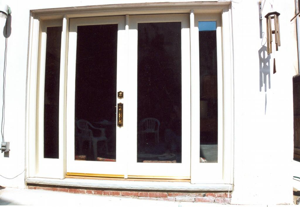 Energy efficient french doors with side lights from for Energy efficient entry doors