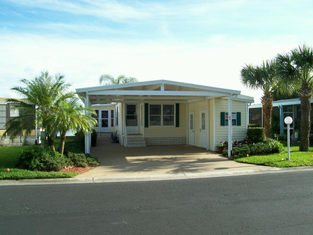 mobile home rental in Bonita Springs, FL