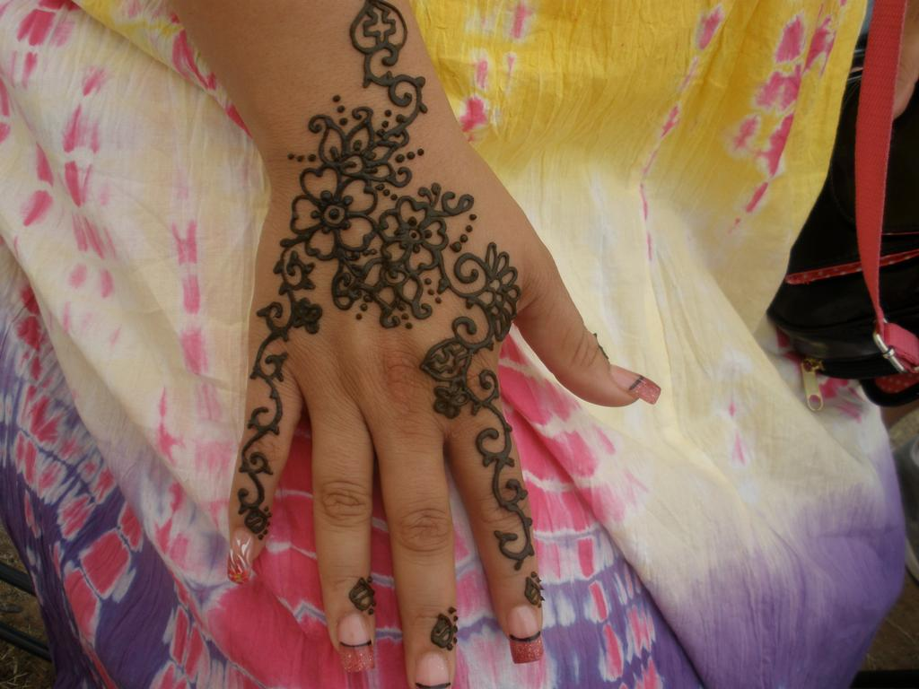 Flower Wali Mehndi : Mehndi hd henna designs hairstyles hand hair
