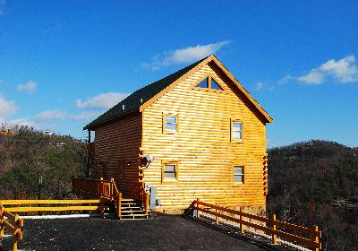 Black bear ridge resort cabin rentals l l c sevierville for Bear ridge cabin rentals