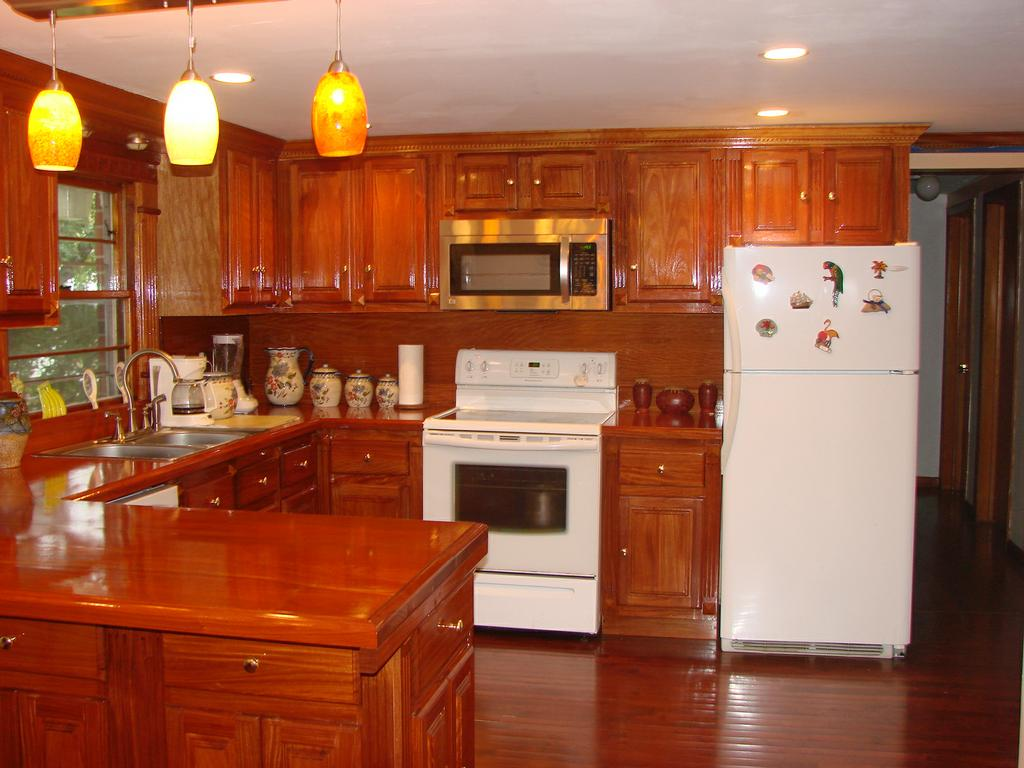 Description Santos Mahogany Kitchen Cabinets To Customers With High