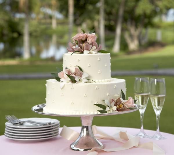 Garden Decoration For Cake : The About Outdoor Weddings - Preweddings and Weddings