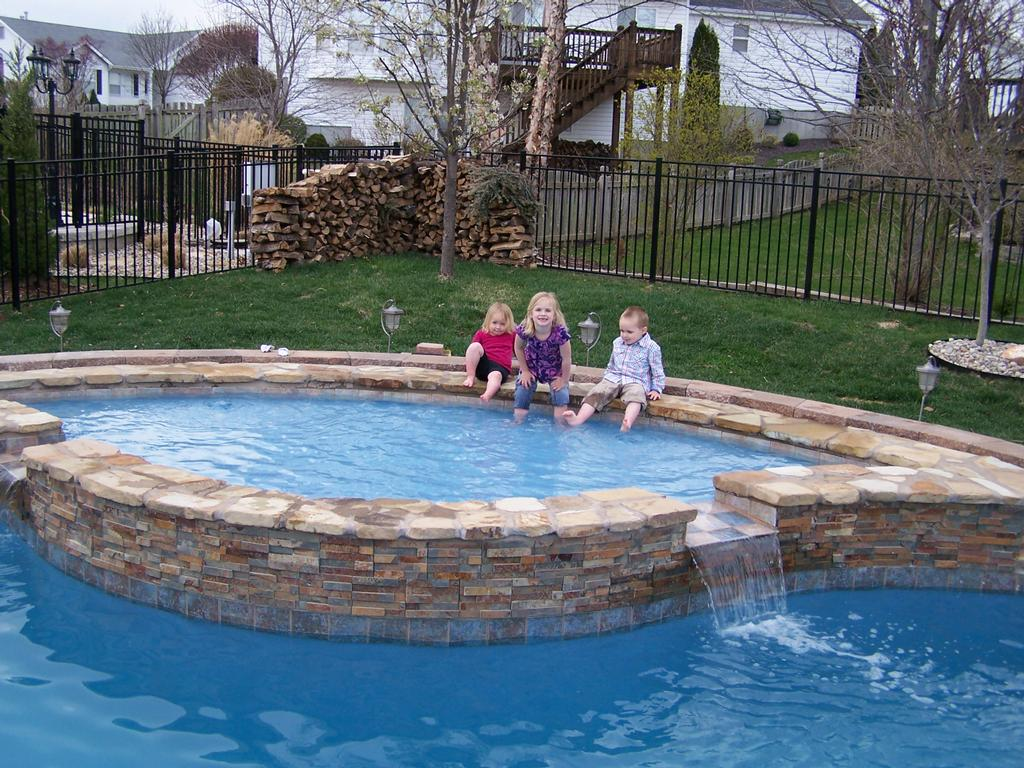 Trilogy pools llc fayetteville tn 37334 931 438 4744 for Pool design with tanning ledge