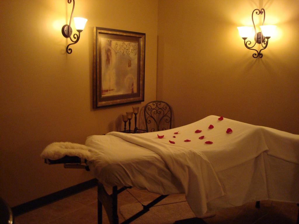 La vita bella day spa shawnee for La bella vita salon