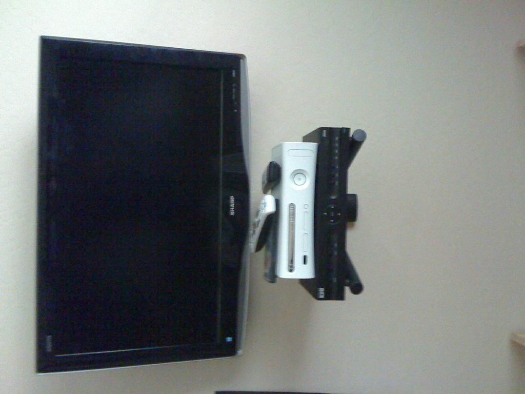 shelf for under wall mounted tv images. Black Bedroom Furniture Sets. Home Design Ideas