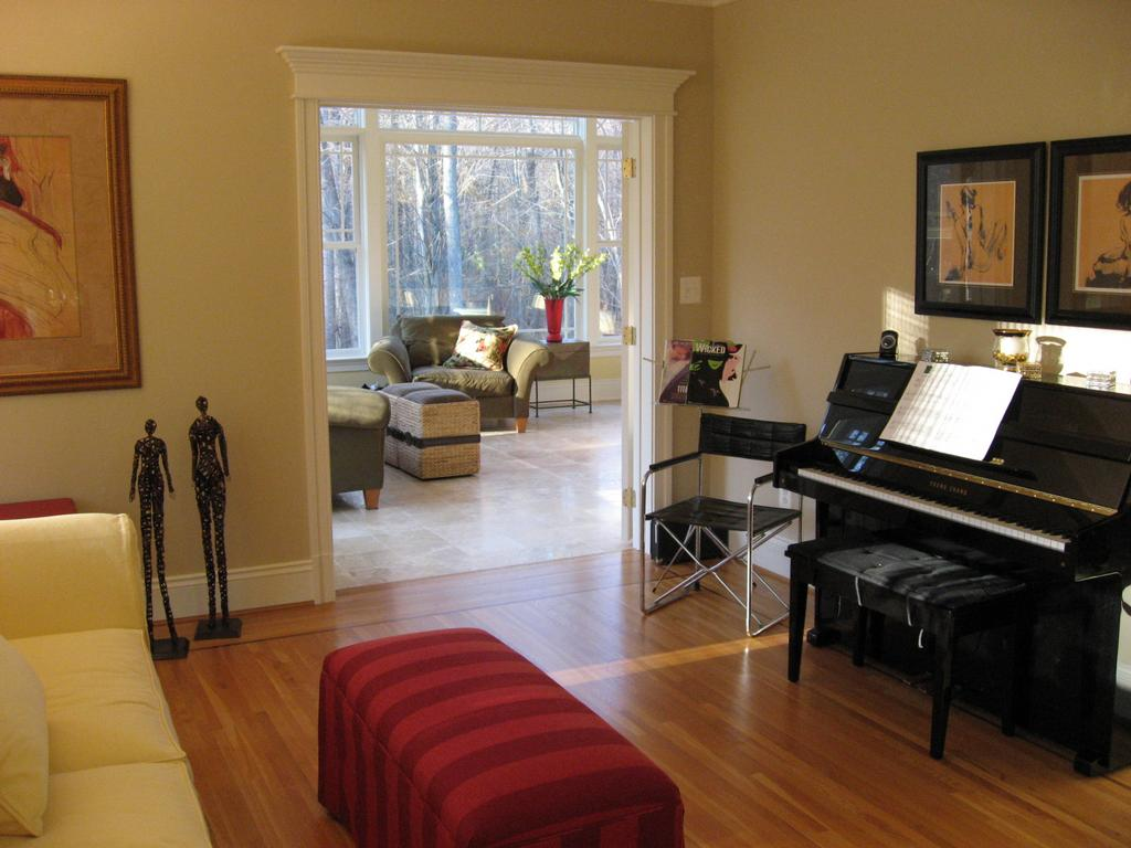 Piano in living room small living room pinterest for Sitting room decor