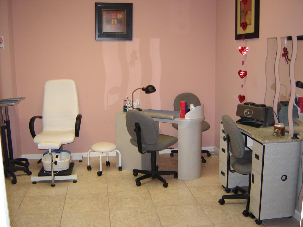 Pictures for 4 seasons hair studio in levittown pa 19055 for 4 seasons beauty salon