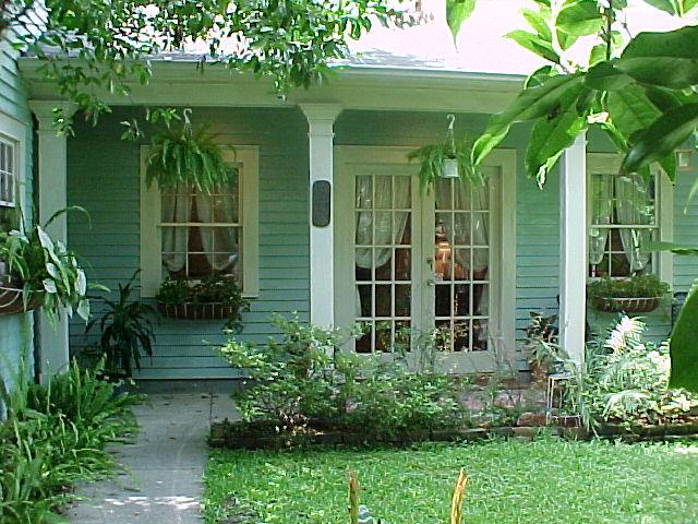 Cottage Front View From Audubon Garden Cottage In New Orleans La 70115