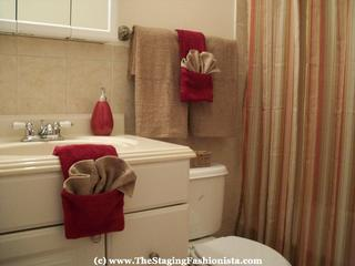 Staging bathrooms to sell the staging fashionista in - Staging a bathroom to sell ...