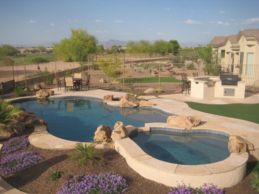 Gilbert pool builder alexon pools spas from alexon for Pool design az