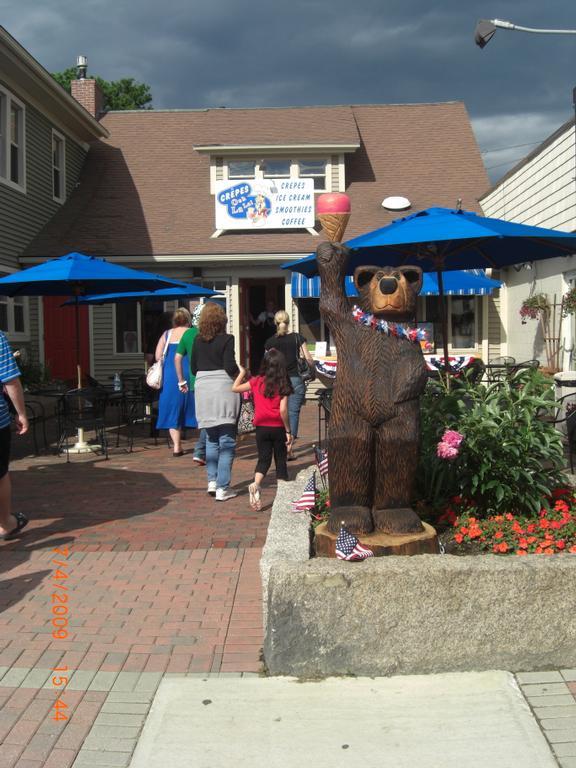 North Conway Village: SHOPPING DESTINATIONS