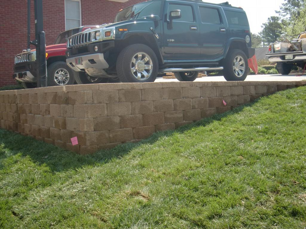 how to build retaining wall driveway