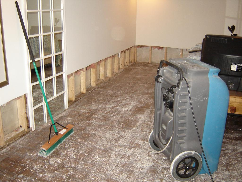 Water Damage Clean Up In Maryland Jpg From Homepro