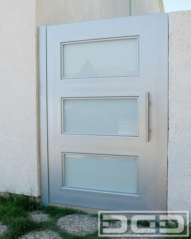Custom Modern Gates In Orange County Ca By Dynamic Garage