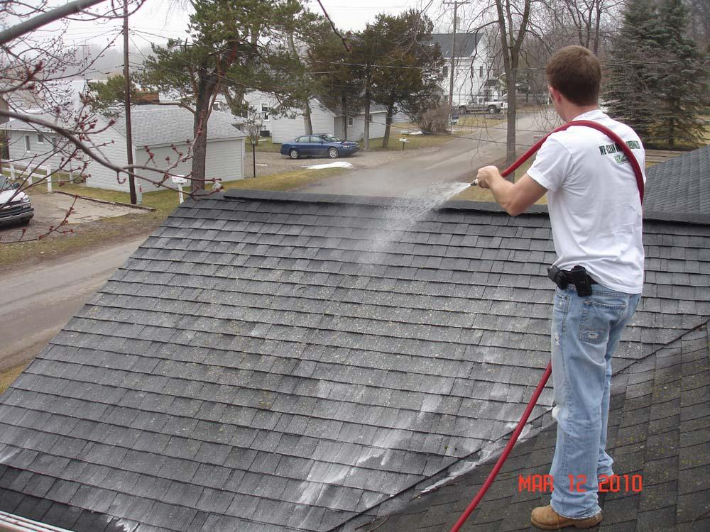 Roof Cleaning Michigan 009_full.jpeg (1000×750)