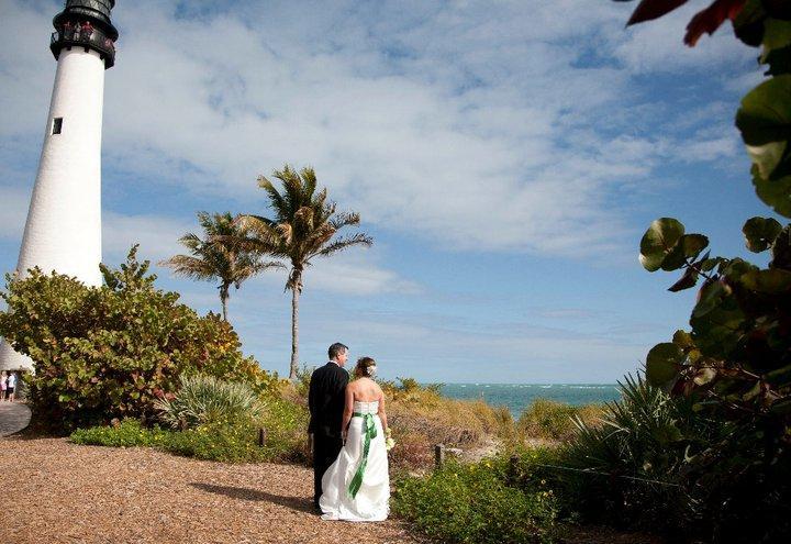 In florida beach weddings and destin beach wedding ceremony and