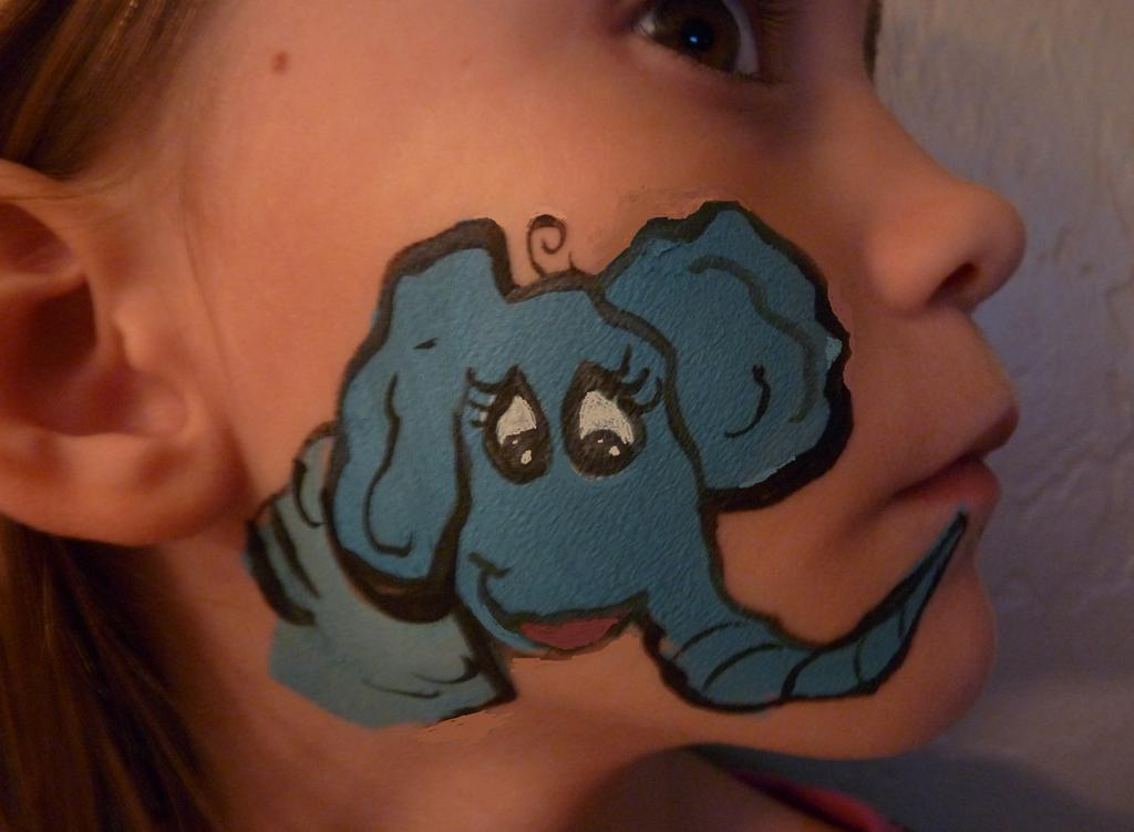 Elephant Face Painting http://backtrackeurope.com/j/6db0192132