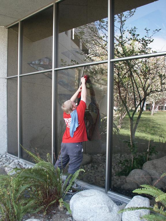 Fish window cleaning of temecula temecula ca 92590 951 for Fish window cleaning reviews