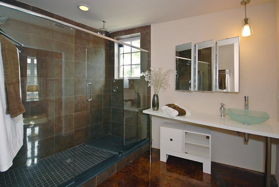Award Winning Master Bath Design Cranewoodscom From