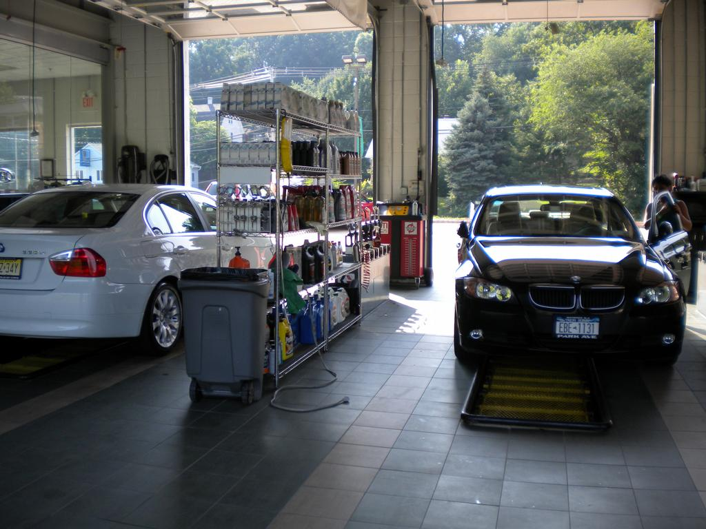 What Does Garage Mean: 3 Garage Oil Change Means Less Waiting Time From Pearl