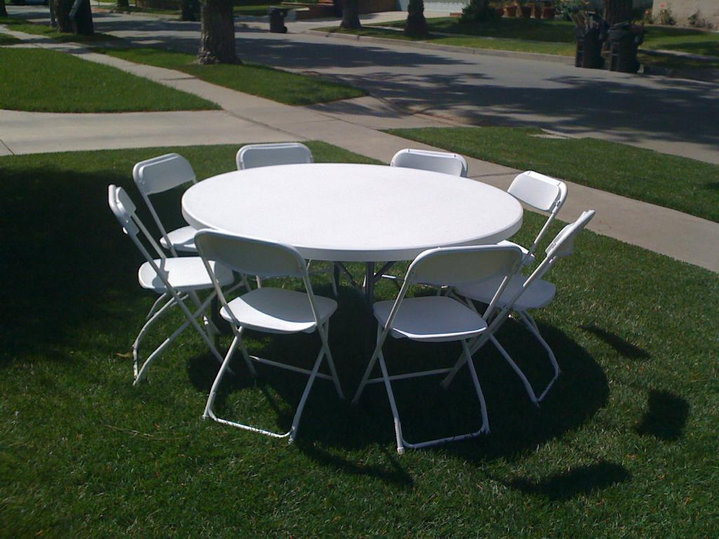 Table And Chair Rentals Happy Jumpers Tables And Chairs