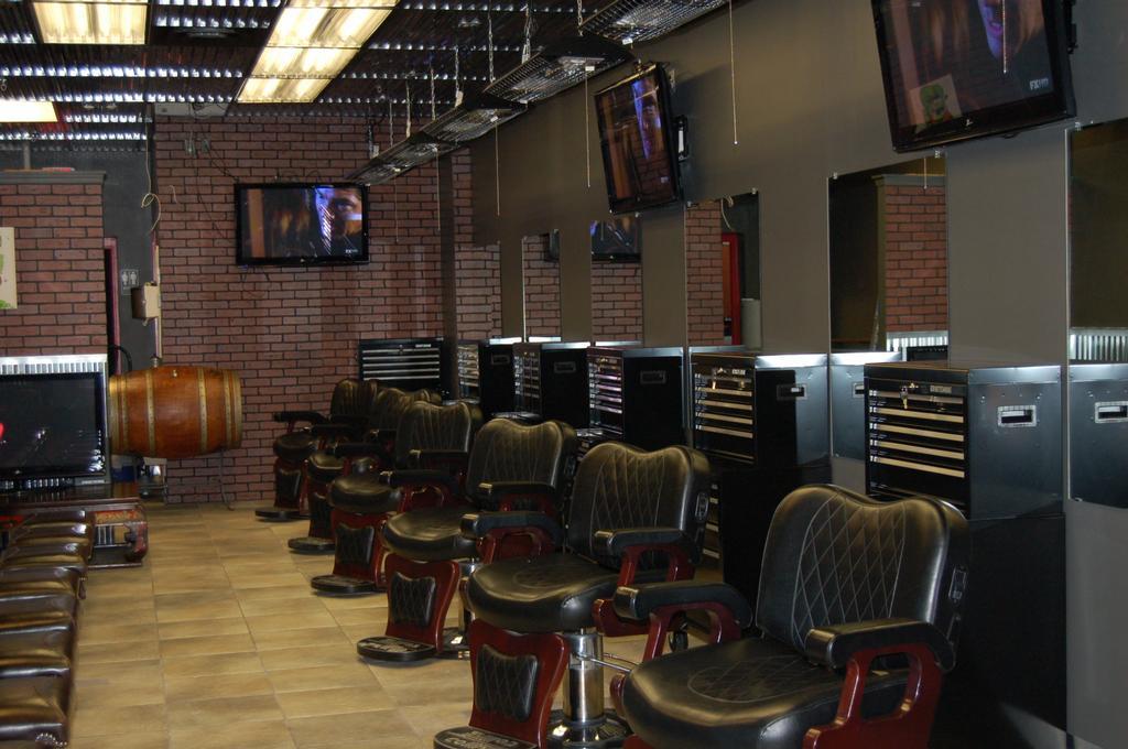 How to Build Barber Shop Clientele