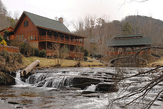 Fireside chalets pigeon forge tn 37863 865 774 4121 for Fishing in pigeon forge tn