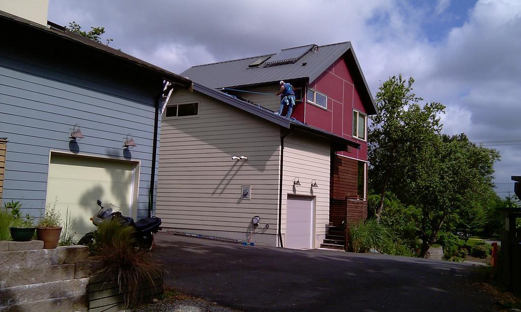 In N Out Window Amp Gutter Cleaning Llc Seattle Wa 98188