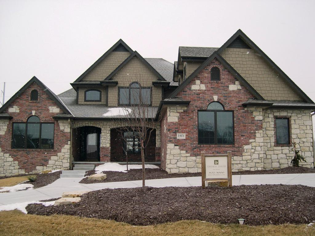 Pictures for certified siding professionals in omaha ne 68144 for Hardiplank home designs