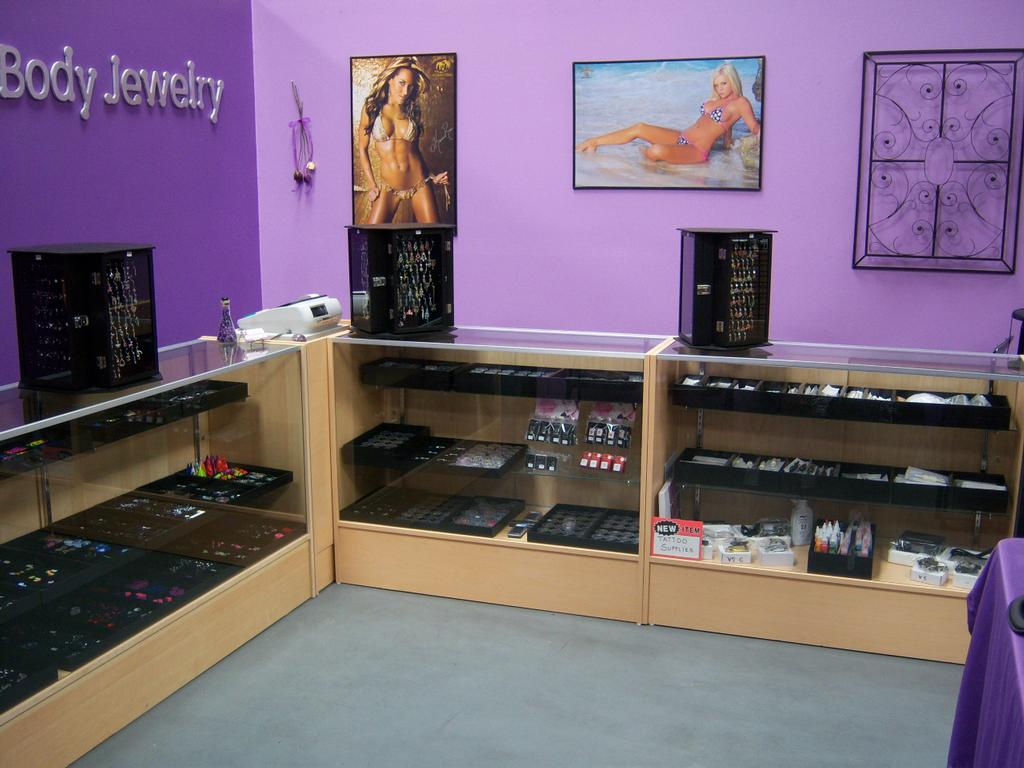 hottie body jewelry and tattoo lancaster ca 93534 805