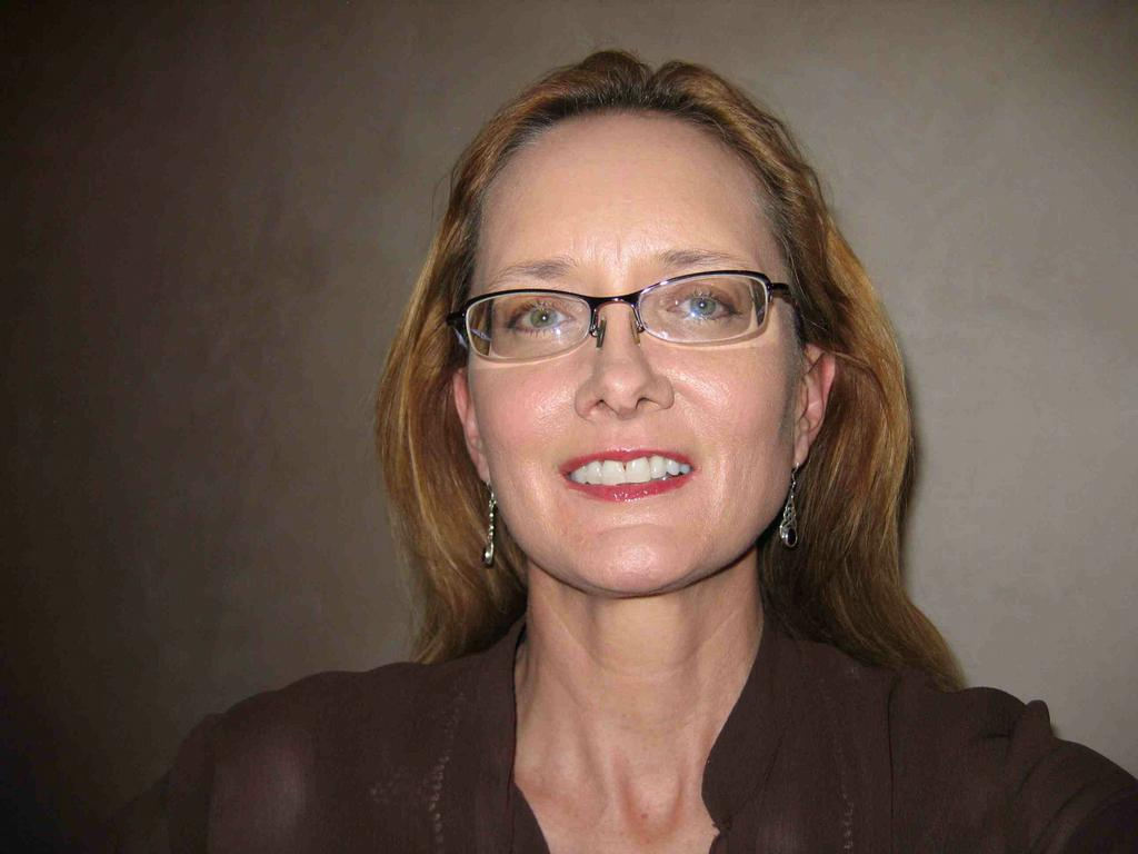 Lynn Brown Net Worth