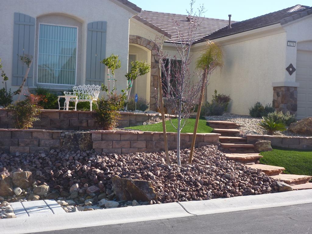 custom landscaping backyard landscaping las vegas nv