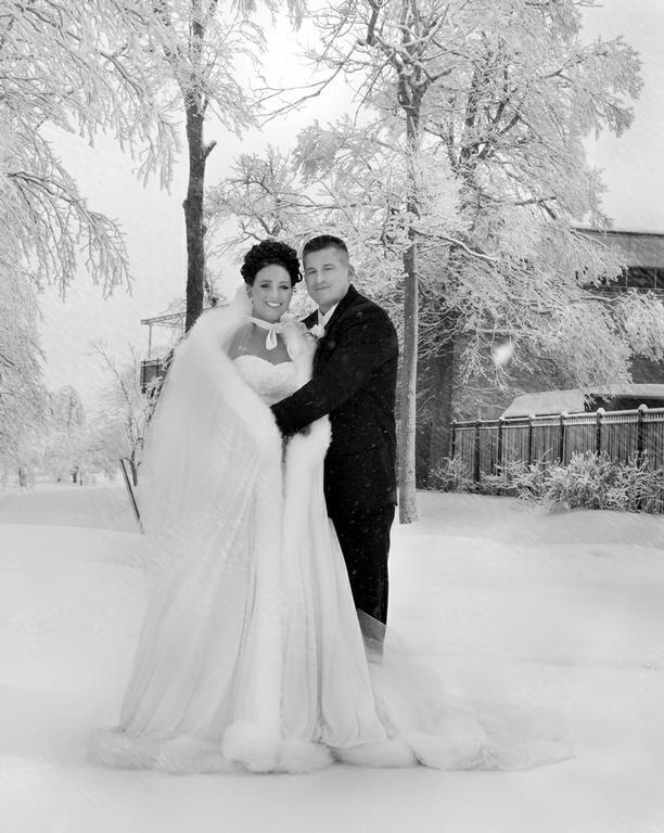 Winter Wedding From Closed In Niagara Falls NY 14304