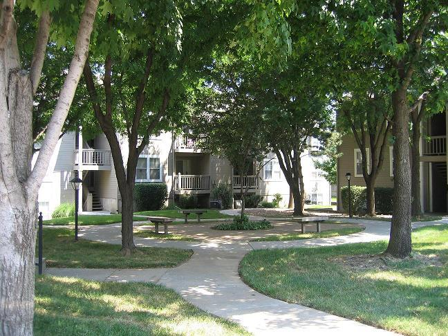 Nieman Square Apartments Shawnee Ks