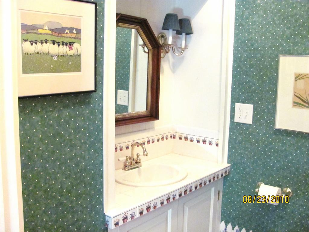 Virginia beach norfolk general contractor commonwealth for Bathroom remodeling norfolk va