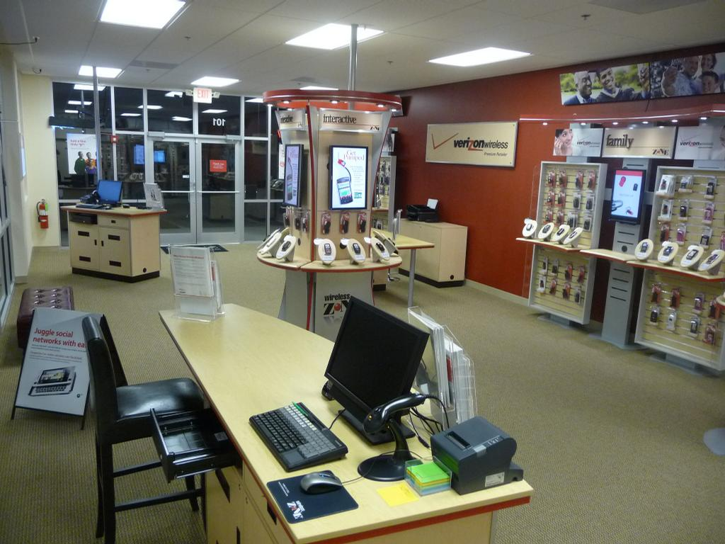 View the entire photo gallery for VERIZON WIRELESS ZONE