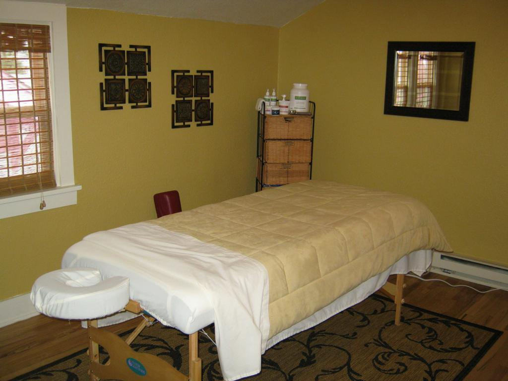 pictures for massage therapy by jill hunt cmt in salmon. Black Bedroom Furniture Sets. Home Design Ideas