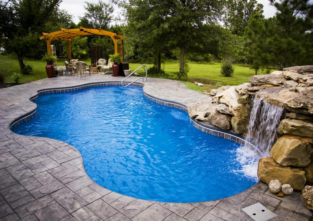 Splash pools raleigh saltwater swimming pool cancun for Pool design raleigh nc