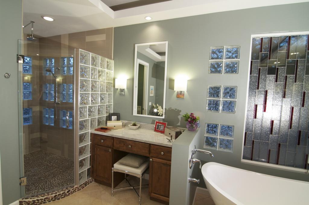 Beautiful Master Bathrooms images