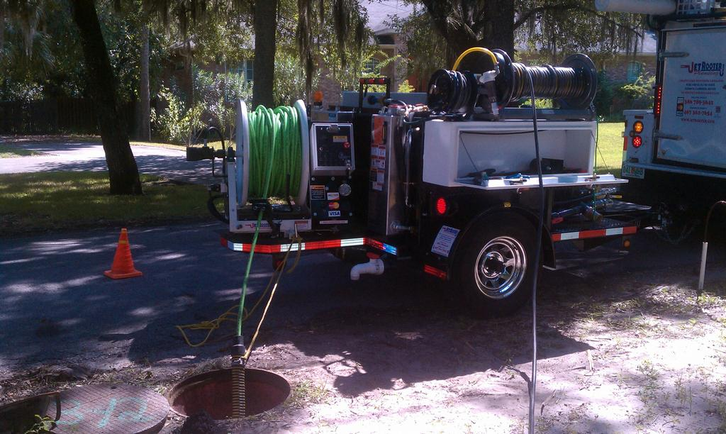 sewer  drain cleaning hydro jetter jet rooter plumbing manhole cleaning machine central