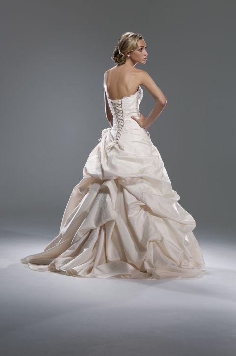 Bustle Wedding Dress Touch Of Class Alterations From Touch