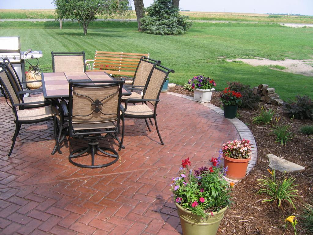 inspiring concrete and brick patio design ideas - patio design #319 - Concrete Patio Design