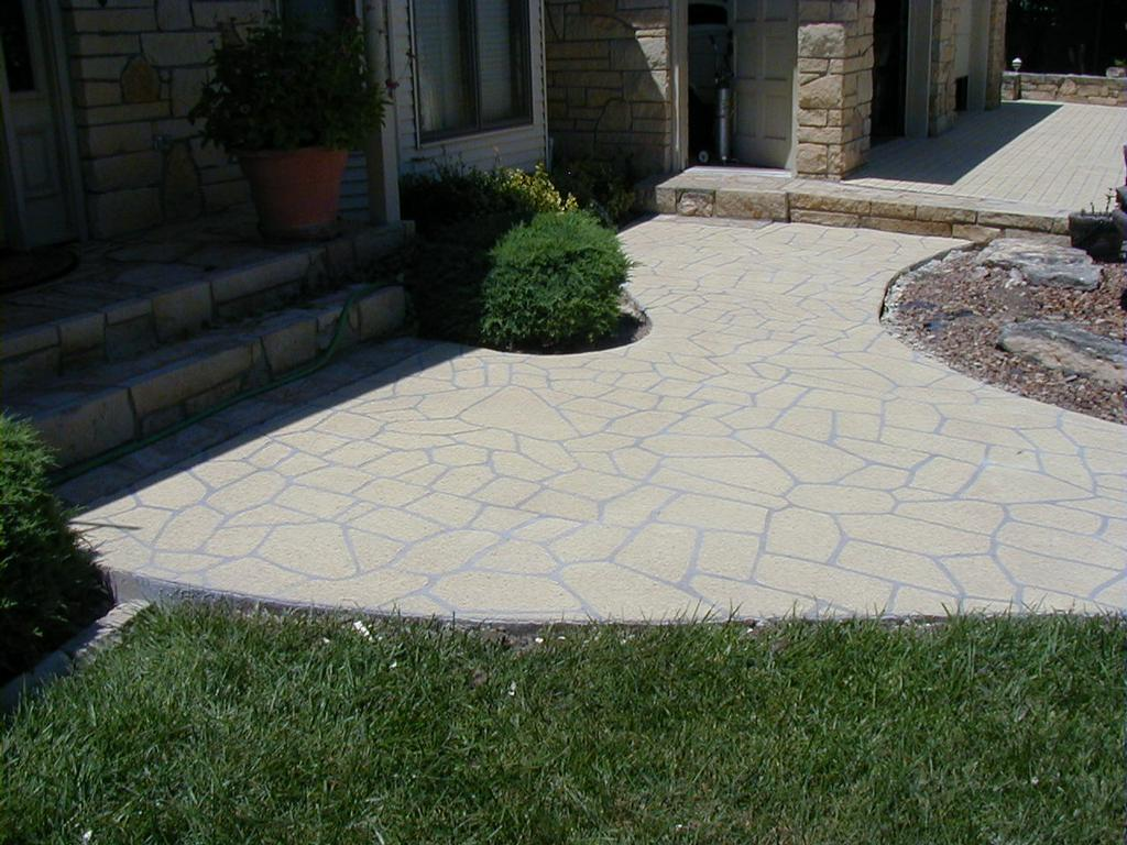 spray textured sidewalk and driveway from concrete designs