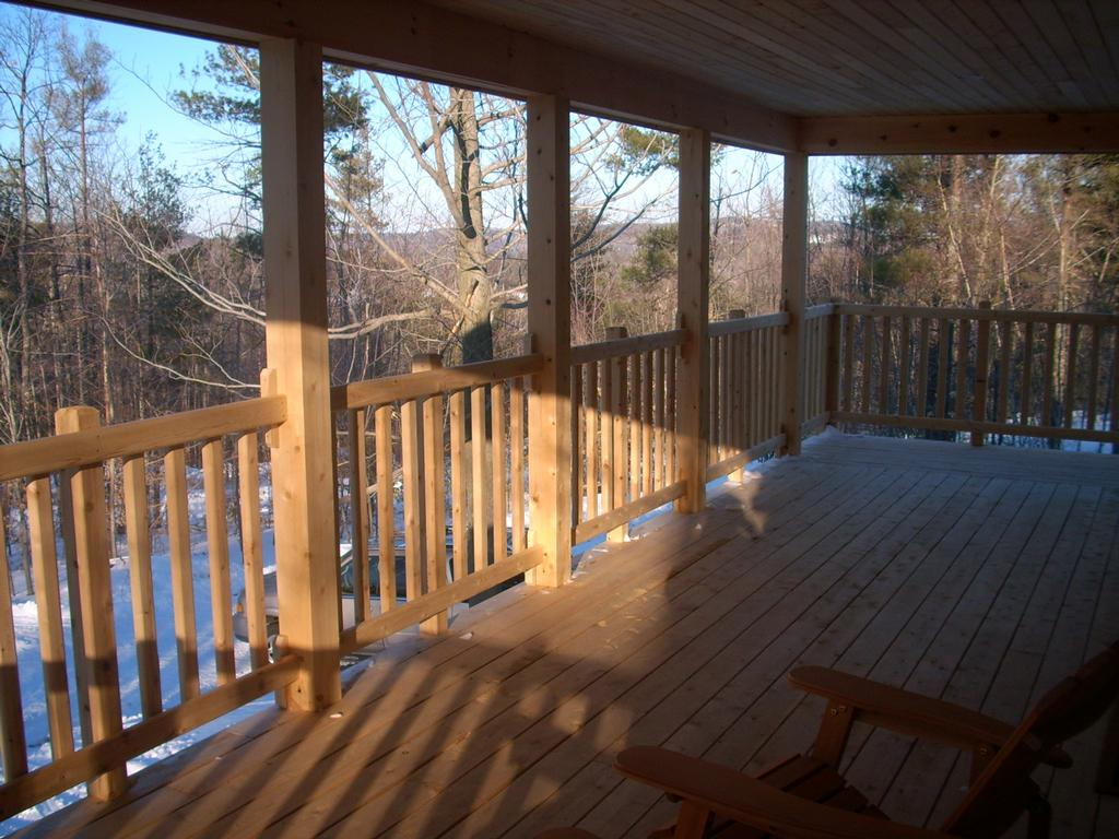 Pictures for ward cedar log homes in denmark me 04022 for Farmers porch